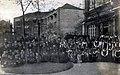 Архиепископ Симон среди учащихся русских школ в Шанхае.jpg