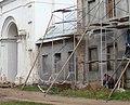 Коневец Одноэтажный корпус примыкающий к колокольне слева.JPG