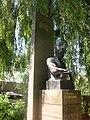 Пам'ятник укр. письменнику, громадському діячеві В.Стефаникові Снятин.jpg