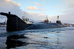 Прибытие атомного подводного ракетного крейсера Северного флота «Орёл» в пункт постоянного базирования 09.jpg