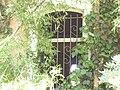בית הפסטור שניידר כניסה סגורה מתחת לבית התשבי 130 חיפה מרכז הכרמל.JPG