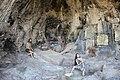 המערה האמצעית.jpg