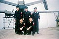 青岛美国海军士兵与水上飞机 约1948年.jpg