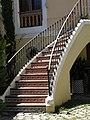 054 Cal Gual, c. Diputació 4 (Sant Sadurní d'Anoia), escala.jpg