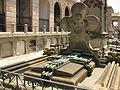 074 Cementiri del Poblenou, tomba modernista, escultura de Pere Estany.jpg