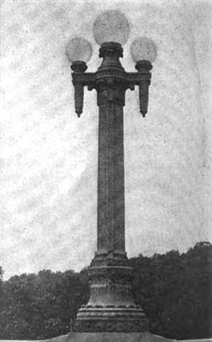 16th Street Bridge (Washington, D.C.) - Original lighting standard used on the 16th Street Bridge in 1910.