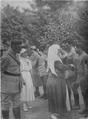 1917 - Regina Maria în vizită la sanatoriul Carpaţi, august 1917.PNG