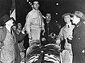 1935-04-14 Mille Miglia winners Alfa 8C 2900B Pintacuda e Della Stufa e Ferrari.jpg