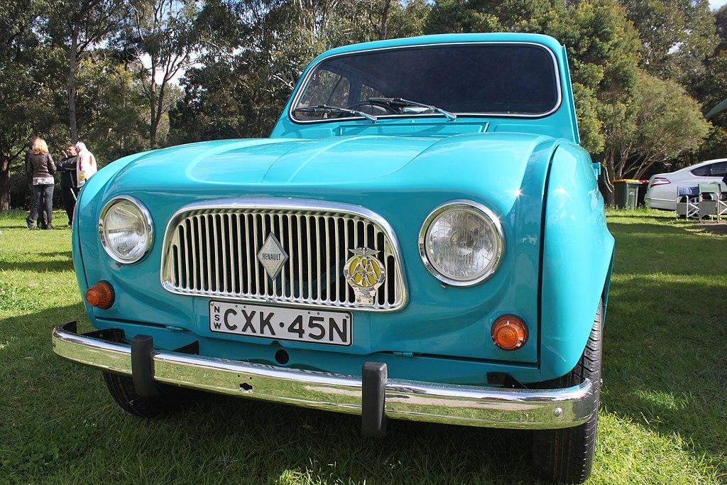 1964 Renault R4 station wagon (19911909896)