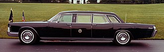 Presidential state car (United States) - The 1972 Lincoln Continental presidential state car