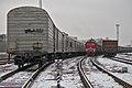 2М62У-0200 и грузовые составы, Ростокино, Москва.jpg