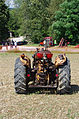 3ème Salon des tracteurs anciens - Moulin de Chiblins - 18082013 - Tracteur Renault - 1948 - arrière.jpg