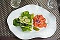 40 Salade de saumon fumé de l'Adour et concombres.jpg