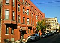 710 W Oakdale Ave in Chicago by Taric Alani.jpg