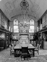7th Reg. Armory 1st Floor Silver (Trophy) Room HABS NY,31-NEYO,121-41.jpg