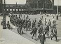 Aankomst van een detachement Nederlandse militairen aan het station op de maanda – F40346 – KNBLO.jpg