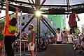 Acrobacia de altura - cuando el arte urbano se sube por las paredes (01).jpg