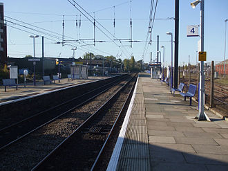 21st-century modernisation of the Great Western main line - Current electrification at Acton Main Line station