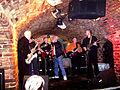 Actuación en vivo en The Cavern (brighten).jpg