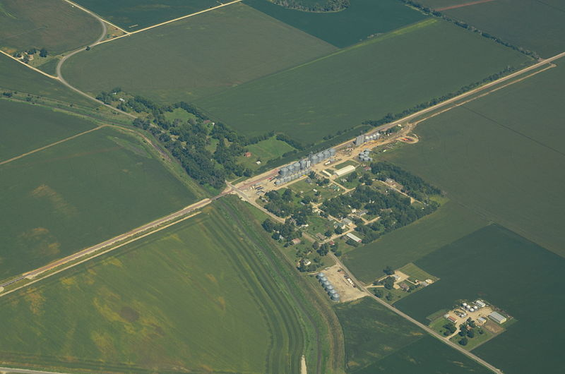File:Aerial view of Fortescue, Missouri 9-2-2013.JPG