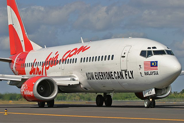 File:AirAsia Boeing 737-300 Pichugin-1.jpg - Wikimedia Commons