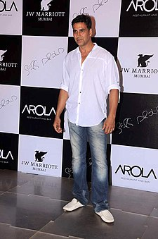 Akshay Kumar at the Launch of new restaurant 'Arola' at J W Marriott 02.jpg