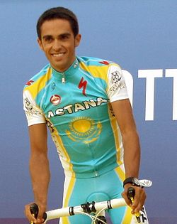 Alberto Contador Tour 2010 team presentation (cropped-2).jpg