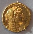 Alessandria, octodracma di tolomeo II con arsinoe II, oro, 276-270 ac.jpg