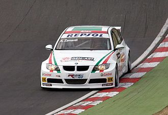 Alex Zanardi - Zanardi driving a BMW 320si WTCC car at Brands Hatch in 2008