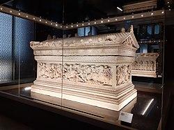 Alexander Sarcophagus, Istanbul Archaeological Museums 2020.jpg
