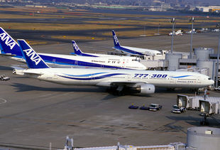 All Nippon Airways B777-381 (JA752A-28274-160).jpg