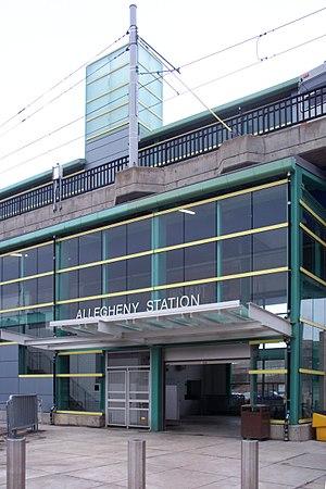 Allegheny (PAT station) - Station entrance
