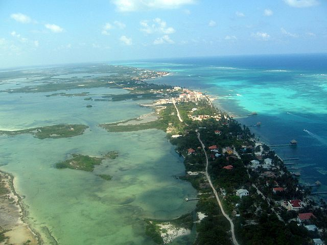 Ambergris Caye By Asteiner (Own work) [CC-BY-SA-3.0 (https://creativecommons.org/licenses/by-sa/3.0) or GFDL (http://www.gnu.org/copyleft/fdl.html)], via Wikimedia Commons