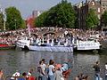 Amsterdam Gay Pride 2004, Canal parade -010.JPG