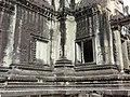Angkor Wat Gopuram 07.jpg