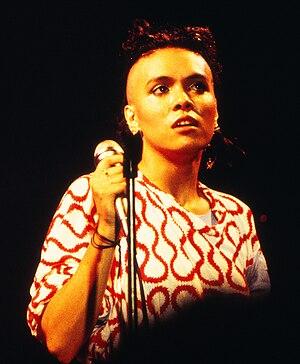 Bow Wow Wow - Annabella Lwin, 1982