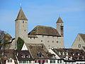 Ansicht vom Seedamm auf das Schloss in Rapperswil, links die die Portalseite der Stadtpfarrkirche 2012-10-30 14-05-30 (P7700).JPG