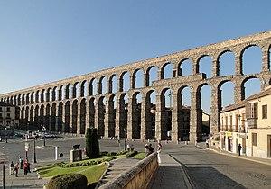 Aqueduct of Segovia 02.jpg