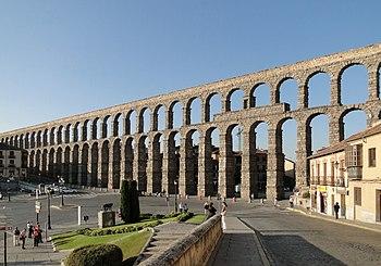 English: Aqueduct of Segovia, Spain Français :...