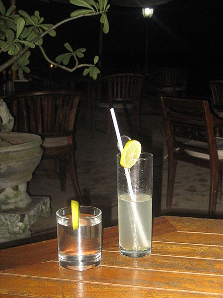 File:Arak Madu cocktail.jpg