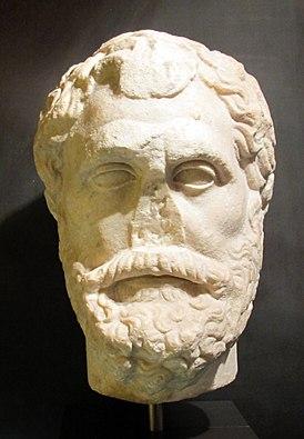 Античный римский бюст Фалеса в музее палаццо Медичи-Риккарди, Флоренция, Италия