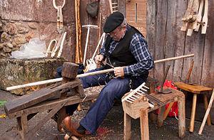 Beret - Cantabrian craftsman wearing a boina