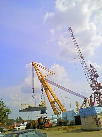 Malaysia Marine and Heavy Engineering - Asian hercules on duty