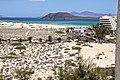 Auf der Feuerleiter im Riu Oliva Hotel, Blick Richtung Lanzarote - panoramio.jpg