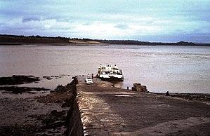 Aust Ferry in 1960.jpg