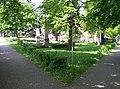 Běchovice, sad Běžců, zvonička a křížek.jpg