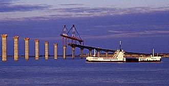 Île de Ré - A bac and the bridge under construction, in 1987.