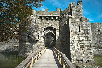 Beaumaris Castle (HDR) (8074250262).jpg