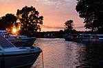 Beccles Sunset (31217839773).jpg