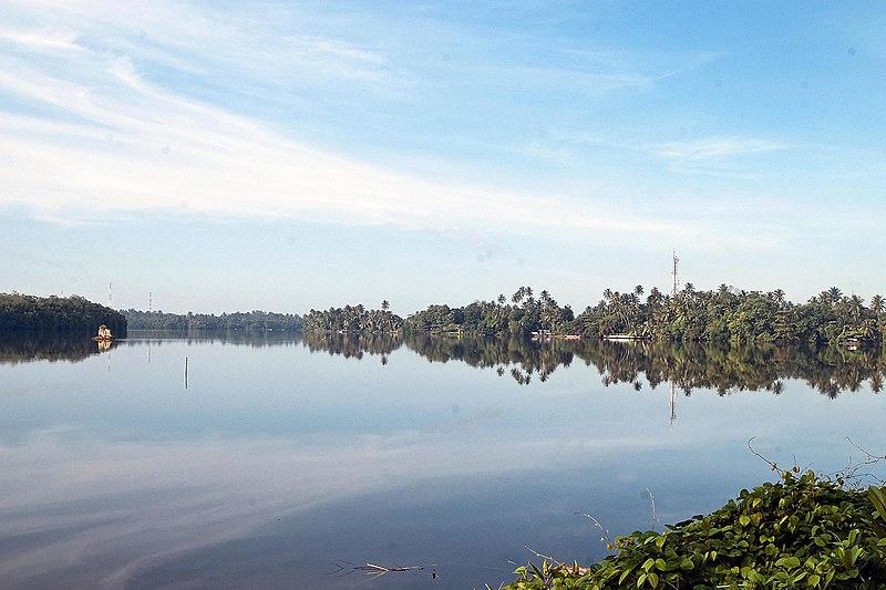 File:Bentota river.jpg